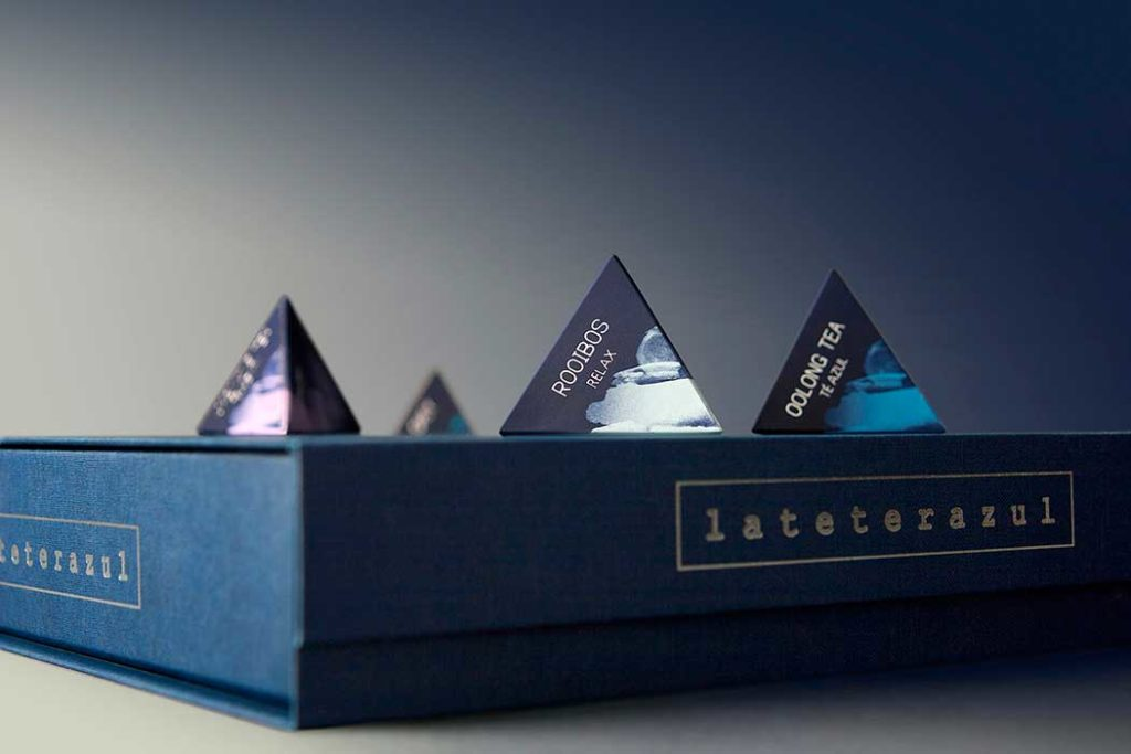 Profesionalhoreca, La Tetera Azul, caja de infusiones en pirámides