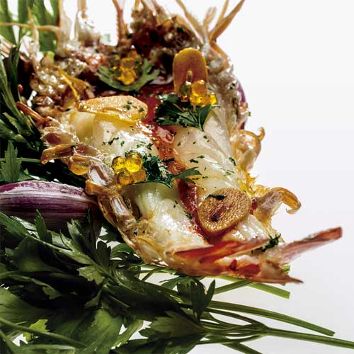 "Profesionalhoreca, receta del restaurante Disfrutar,  ""Langostino al ajillo con Caviaroli de Aove con guindilla"""
