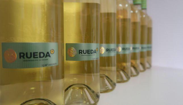 profesionalhoreca, botellas de vino blanco de la D.O. Rueda