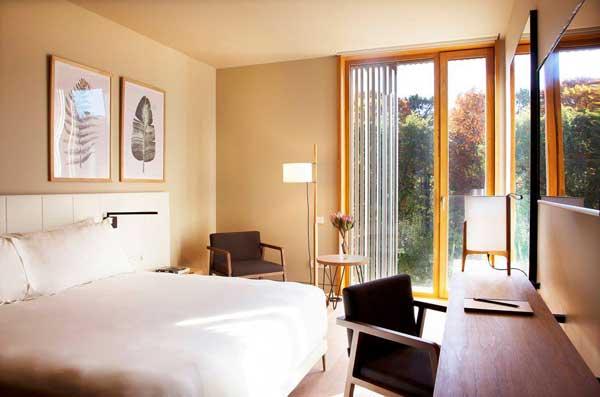 Profesionalhoreca, habitación del Arima Hotel