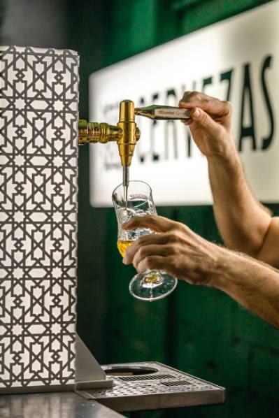 profesionalhoreca, tirando cerveza, Mahou San Miguel