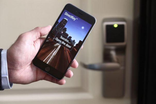 profesionalhoreca, smartphone para abrir la puerta del hotel