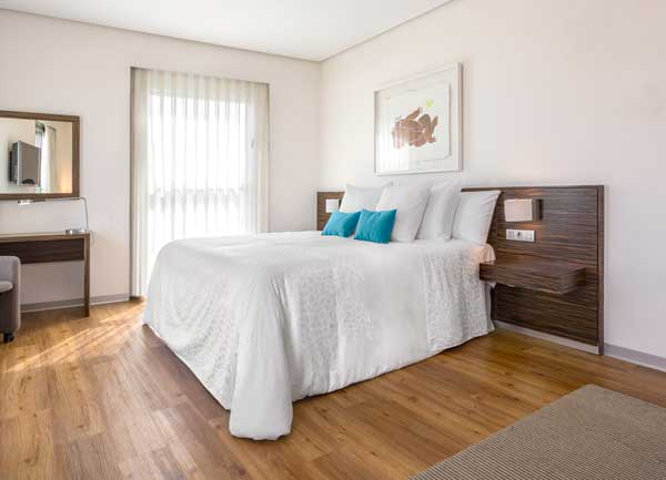 Profesionalhoreca, cama de hotel vestida por Resuinsa