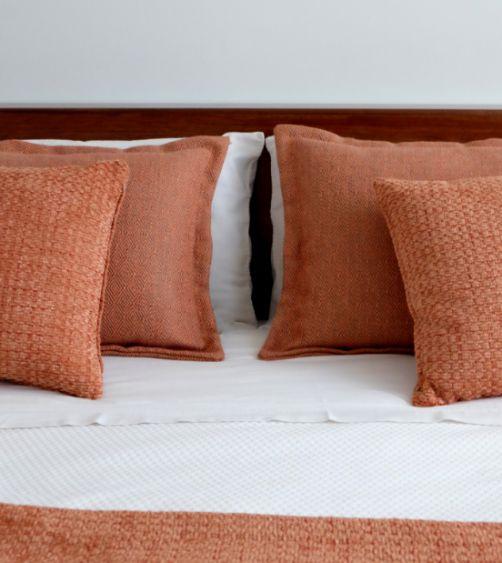 profeisonalhoreca, cama de hotel vestida por Carmela Martí