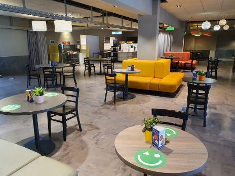 profesionalhoreca, lobby de un establecimiento de a&o Hotels and Hostels