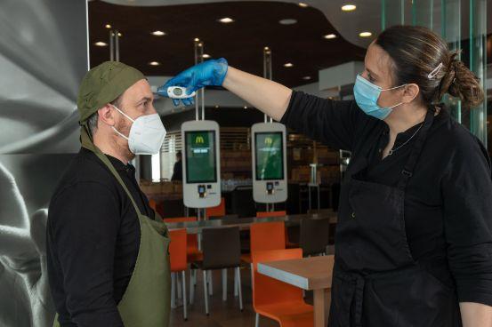 profesionalhoreca, trabajadores de McDonald's, protocolo de entorno seguro