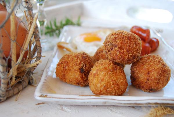 Profesionalhoreca, croquetas de chistorra y huevo frito de Pepe&Cro