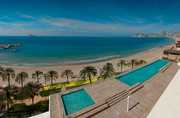 Profesionalhoreca, hotel H10 Porto Poniente, piscinas