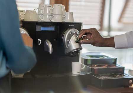 Profesionalhoreca, máquina de café Gemini de Nespresso
