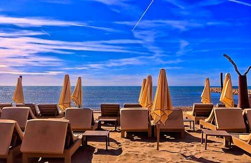 Profesionalhoreca, tumbonas en la playa, hoteleros piden prorrogar Ertes