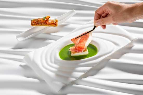 Profesionalhoreca, vajilla de Luesma & Vega para el restaurante Bianc (Hamburgo), de Matteo Ferrantino