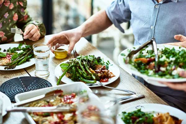 Profesionalhoerca, verduras y ensaladas en un restaurante