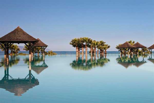 Profsionalhoreca, la espectacular piscina del hotel Gran Meliá Palacio de Isora, en Tenerife