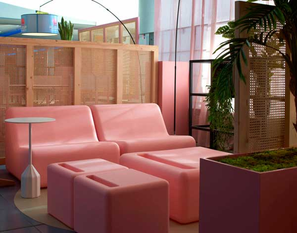 Profesionalhoreca, mobiliario de la terraza Bierwinkel Experience de España, en el centro Heron City de Valencia