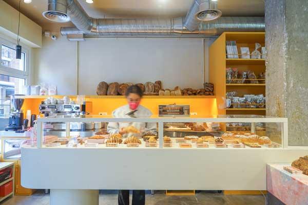 Profesionalhoreca, mostrador de pastelería y cafetería del obrador Madreamiga