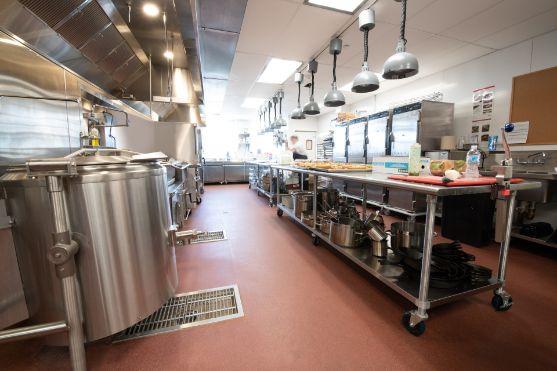 Profesionalhoreca, la cocina del hotel Miraval Berkshires con pavimento Altro Stronghold 30 / K30