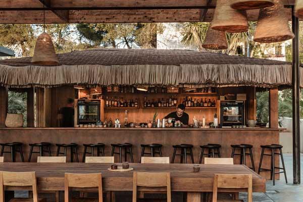 Profesionalhoreca, bar de la piscina del hotel Oku Ibiza