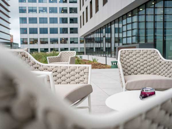 Profesionalhoreca, terraza exterior del hotel Leonardo barcelona Fira