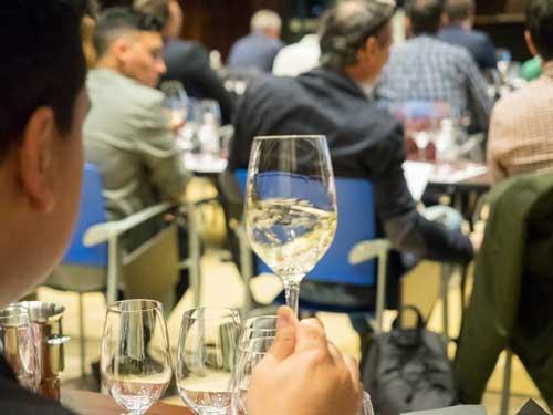 Profesionalhoreca, cata de vinos en el Salón HYT 2020