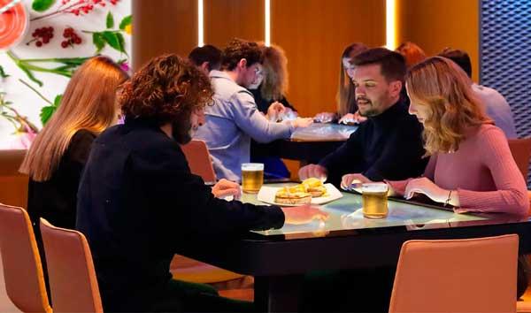 Profesionalhoreca, mesa interactiva Xtable en un restaurante