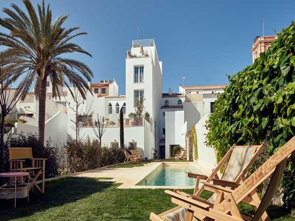 Profesionalhoreca, jardín del hotel Cristine Bedfor en Mahón