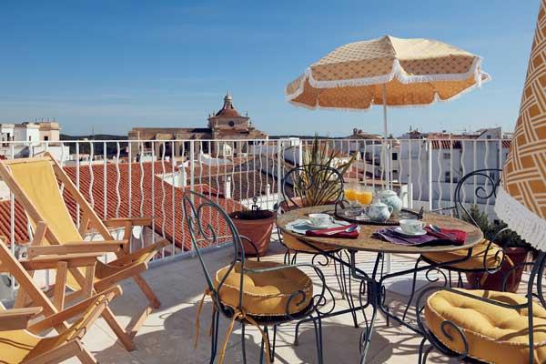 Profesionalhoreca, terraza del hotel Cristine Bedfor en Mahón
