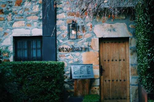 Profesionalhoreca, fachada del asador Etxebarri